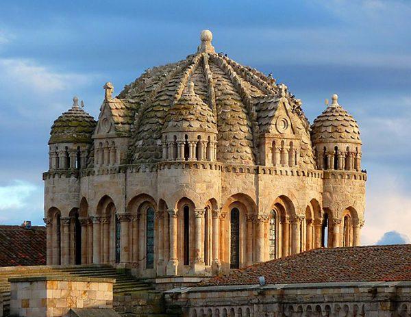 Храм в Саморе